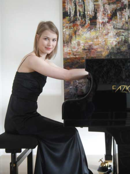 The-dress-for-the-pianist
