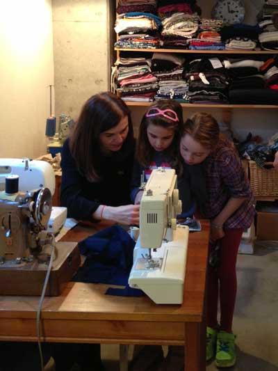 Sewing-Class-Girls-Tokyo