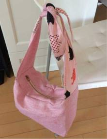 Handbag-with-zipper
