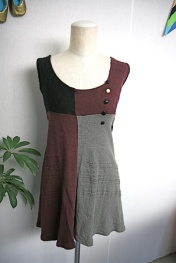 Wollen Dress colors: grey, black and wine red, Size M, ¥1000 (shipping per COD)