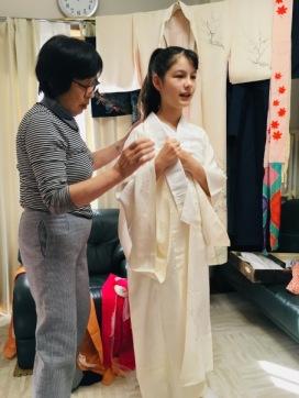 Dressing the undergarment